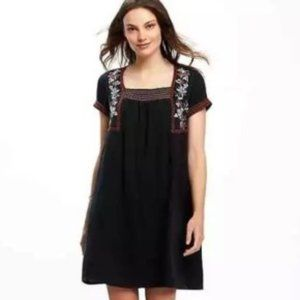 Old Navy Embroidered Dress - M